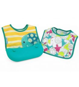 Marcus Marcus OLLIE GREEN ELEPHANT Travel Bib very easy to clean, soft, silicone pocket which is wide enough.